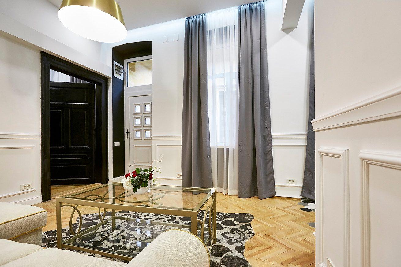 Intrare in apartament-fotograf-Brasov-fotograf-Dan Malureanu 7