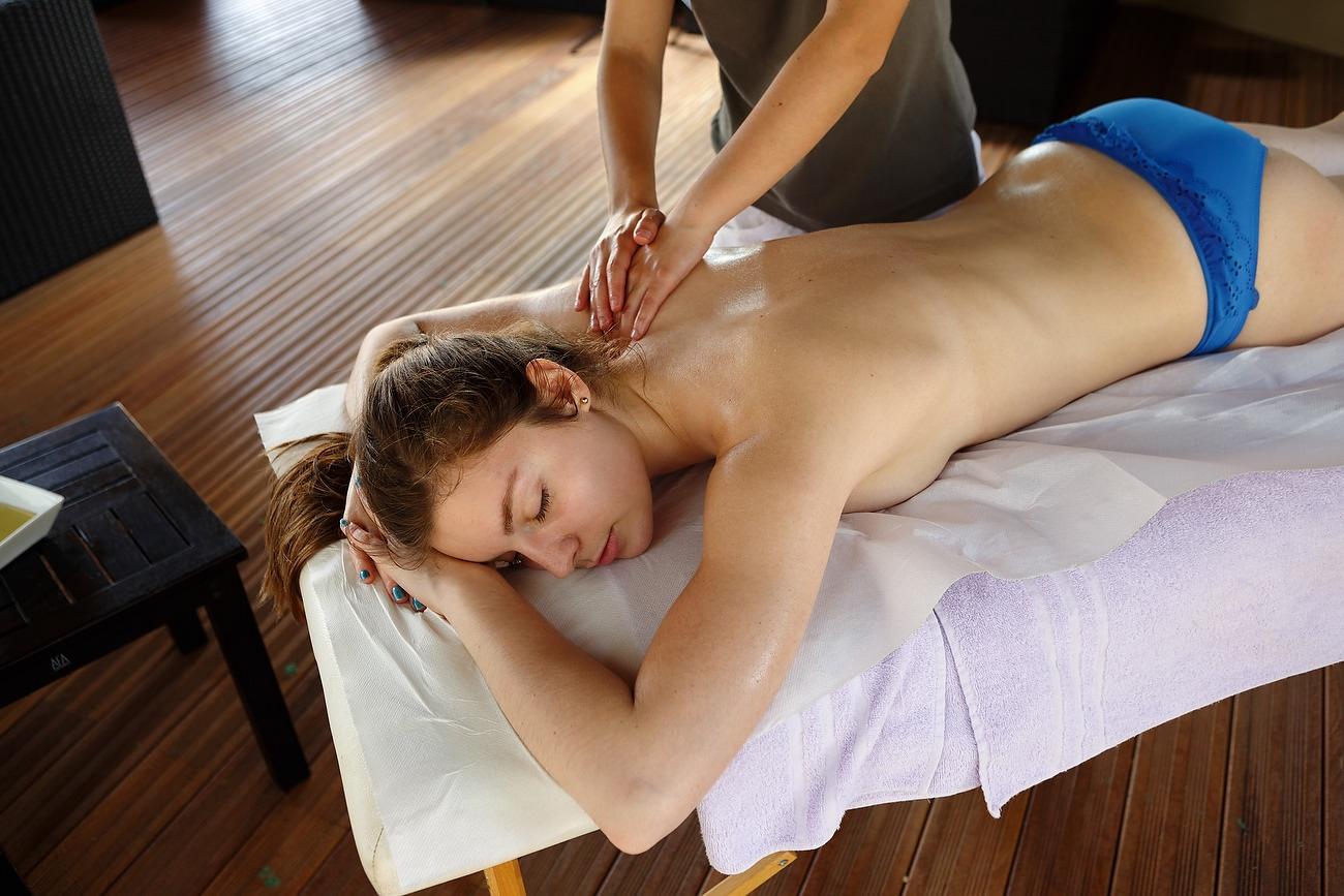 sedinta de masaj la spa