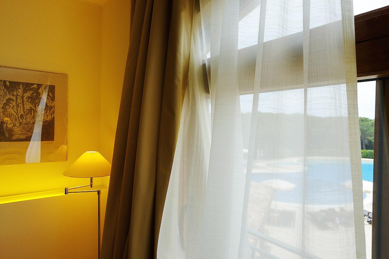 privier din camera de hotel care piscina